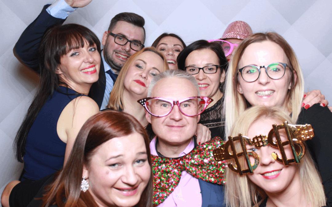 Zabezpieczony: Fotobudka Lustro Warszawa na event dla Banku Santander